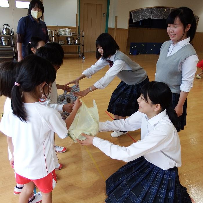 認定こども園島田学園付属幼稚園へマスクの寄贈
