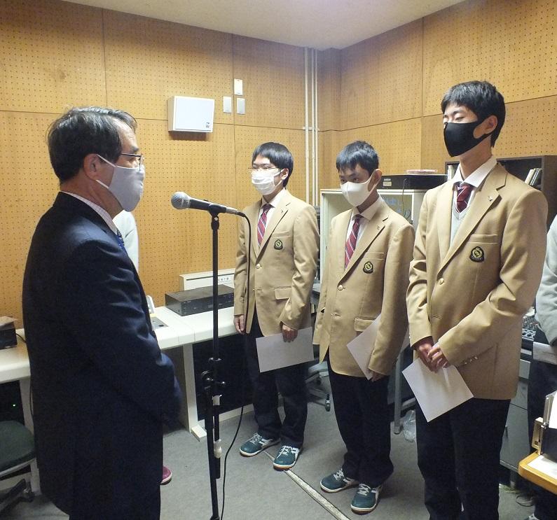 次期生徒会長渡邉君、同じく副会長澤下君、増田君に決定!