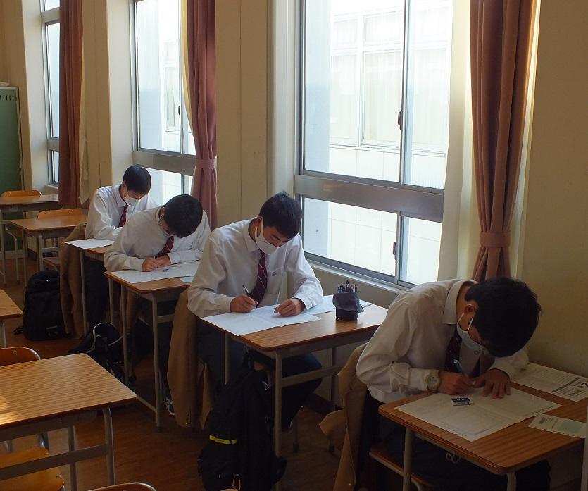数学検定、集中して問題解決にチャレンジ!