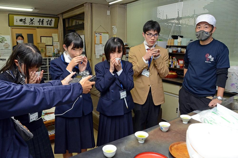 大村帝輝君、島田市高校生ラジオ取材で仕事現場訪問!
