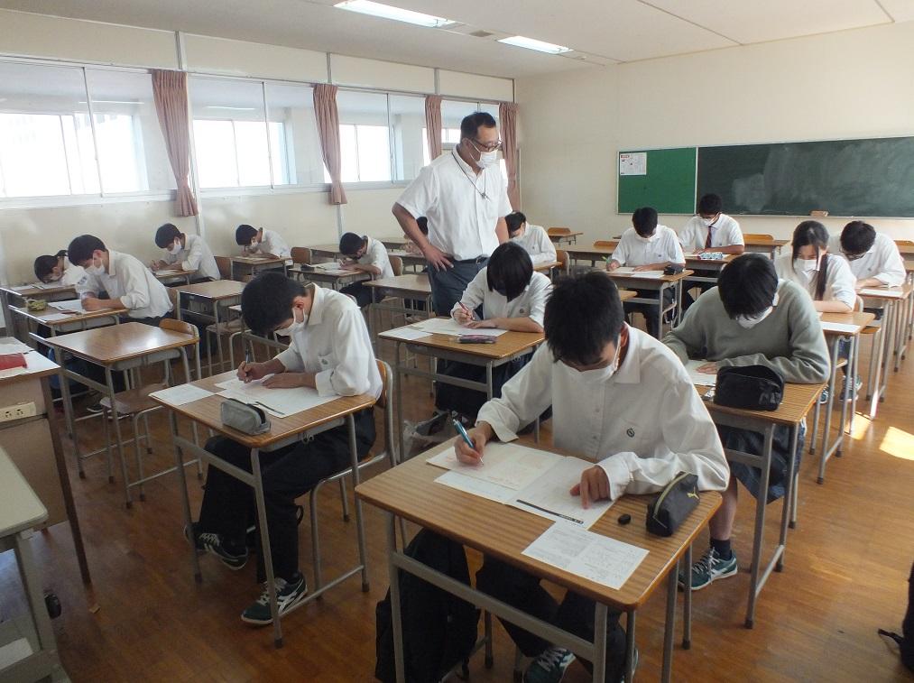 社会人常識マナー検定にチャレンジ…3年キャリア探究コース希望者受検!